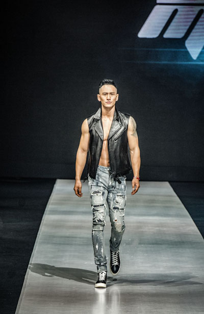 12月5日,著名演员黄晓明与服装设计师张帅合作创立的品牌在北京举办
